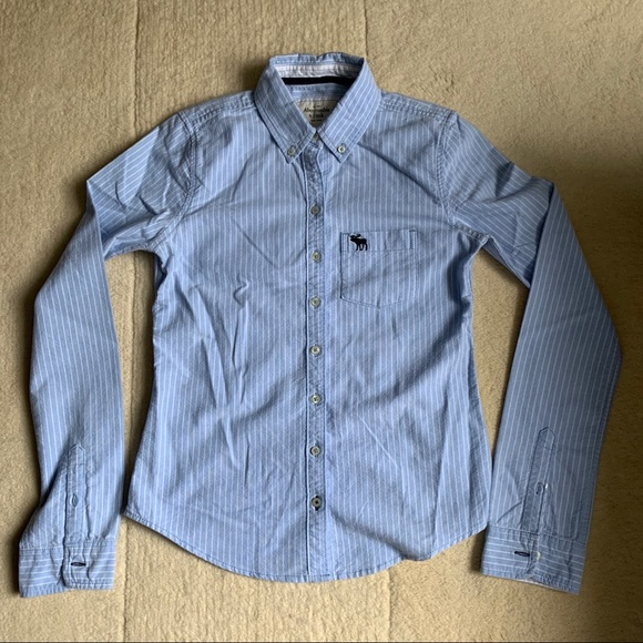 Abercrombie Fitted shirt. Size S